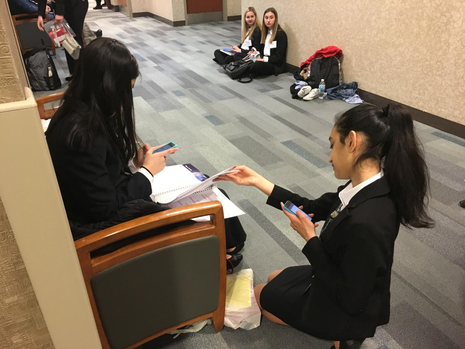 Many+students+who+were+competing+in+the+same+event+studied+together.+Shaily+Laad%2C+freshman%2C+competed+in+Medical+Terminology.+She+joined+HOSA+because+she+thought+it+would+be+a+good+opportunity+for+a+student+interested+in+medicine.+Since+this+was+her+first+year%2C+she+struggled+with+finding+the+right+studying+materials.+%22I+didn%27t+really+know+how+to+prepare+for+my+event%2C%22+Laad+said.+%22My+studying+consisted+mostly+of+quizlets.%22+