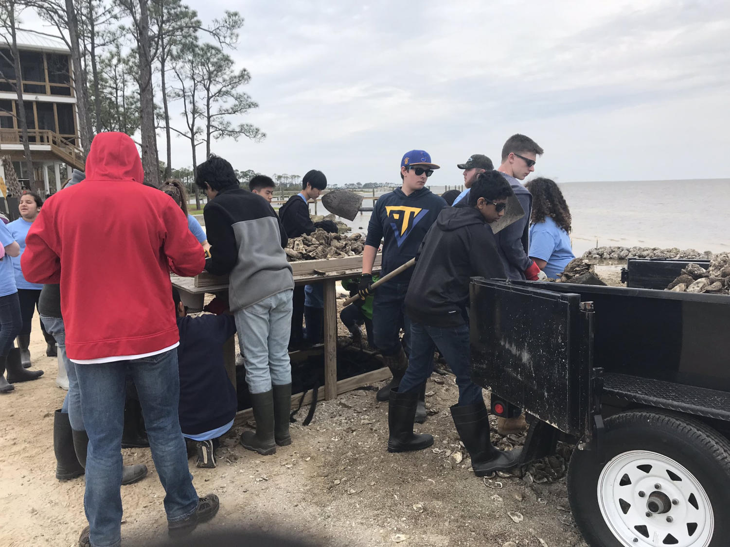 Students work towards rebuilding the shoreline during the annual Spring Break Service Trip. MHS students traveled to help communities affected by hurricane Michael in Mexico City and Port St. Joe, Fla.