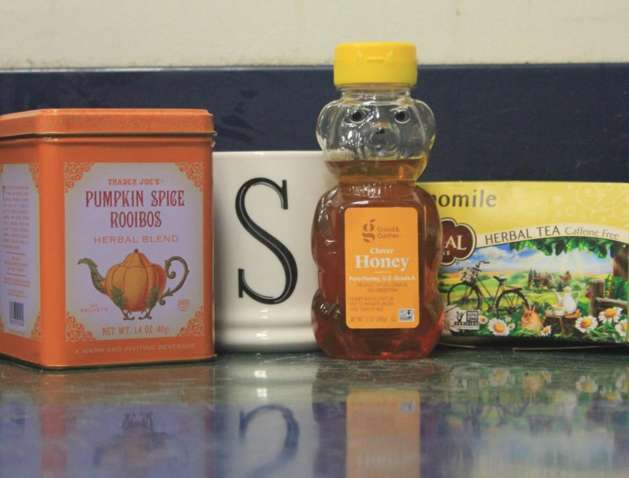 Many different students drink many different types of tea.