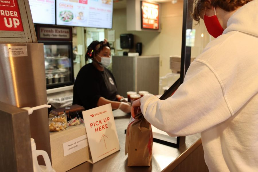 Photo Gallery: Students Drive for DoorDash