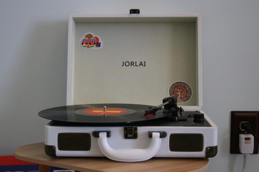 The most popular record players amongst teens are Crosleys, Victrola's and Jorlais, but there are a variety of options for the vintage music device.